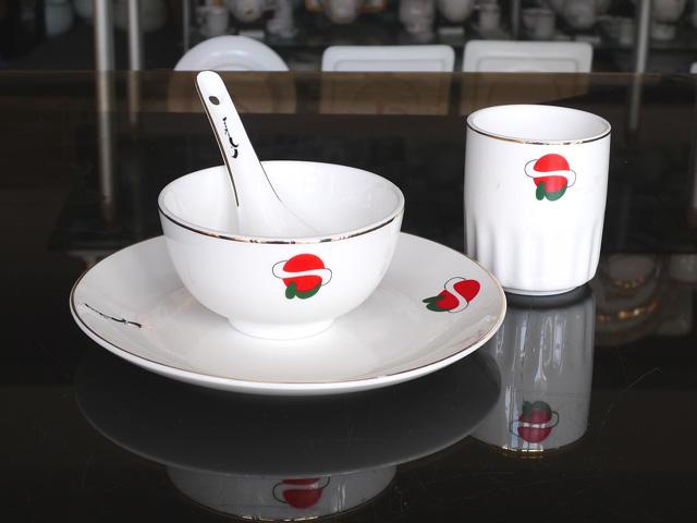 陶瓷餐具盘碗设计要素方便生产,容易成形